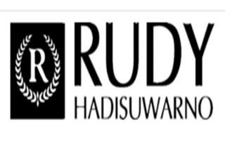 Martina Berto resmi mencaplok merek produk kecantikan dan perawatan rambut Rudy Hadisuwarno Cosmetics