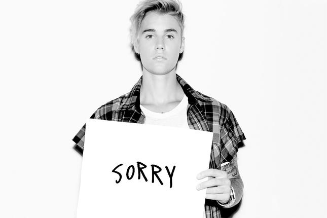 """Casey Dienel alias White Hinterland ini mengklaim bahwa lagu """"Sorry"""" telah mengadopsi bagian dari lagu miliknya."""