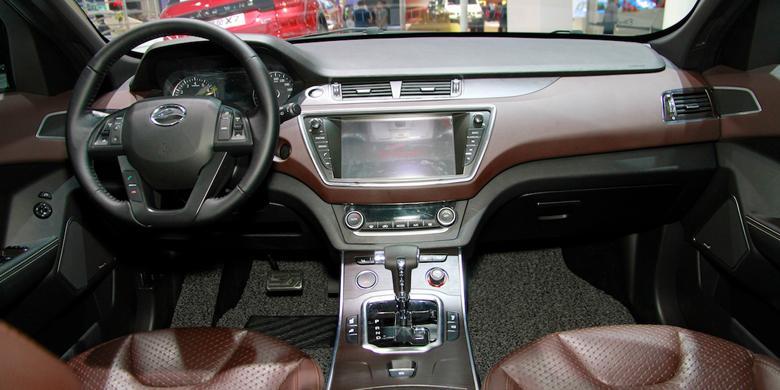 Interior berbeda jauh dari versi Range Rover Evoque. / Indianautosblog