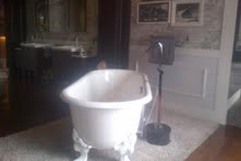 Produk sanitary kamar mandi (foto : Rahmayulis Saleh)
