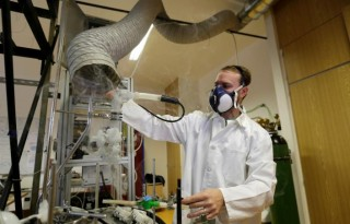 Scientist Frantisek Lizal operates a model of a functioning human lung that can be used to simulate chronic diseases and their treatments in the Brno University of Technology in Brno, Czech Republic, November 22, 2016. Picture taken November 22, 2016. REUTERS/David W Cerny